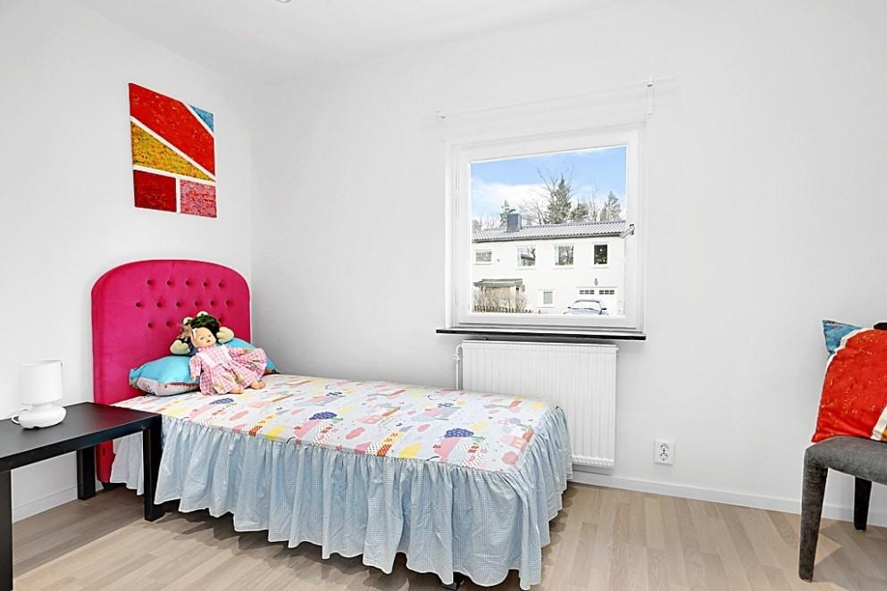 sov02 993x662 - Sovrum och hall renovering